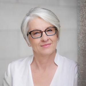 Headshot of Cynthia Allen, a Feldenkrais Practitioner and Senior Trainer in Movement Intelligence