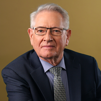 Headshot of Larry Wells, MSW, M.DIV, a Neuro Linguistic Programming Master Practitioner/Trainer
